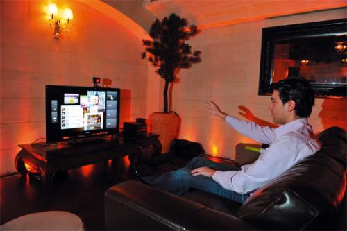 television orange keanu