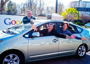 google car sans conducteur 300x214 Steve Mahan est le premier aveugle  avoir conduit une voiture !