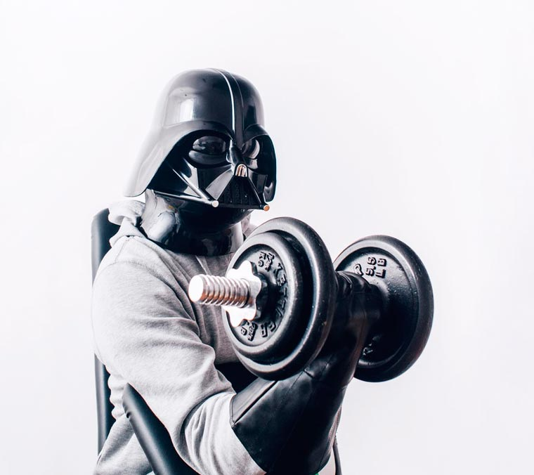 dark vador fait de la musculation